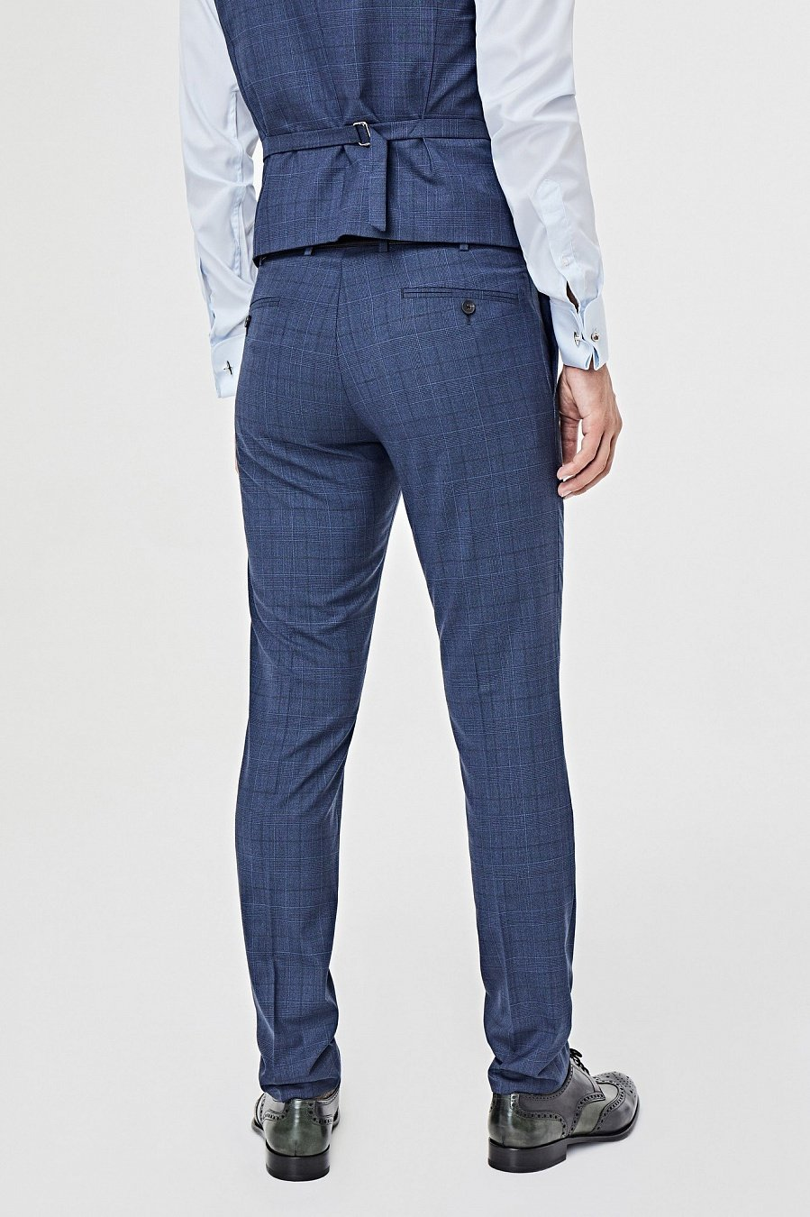 Синие костюмные брюки в неброскую клетку 413BA купить по цене 11 400 ... 4689376d46f